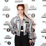 Jess Glynne en la alfombra roja de los BBC Radio 1's Teen Awards 2016