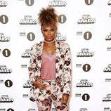 Fleur East en la alfombra roja de los BBC Radio 1's Teen Awards 2016
