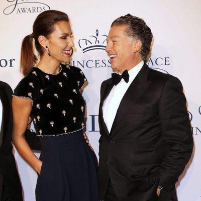 Mar Flores y Elías Sacal, sonrientes en la entrega de premios Princesa Grace