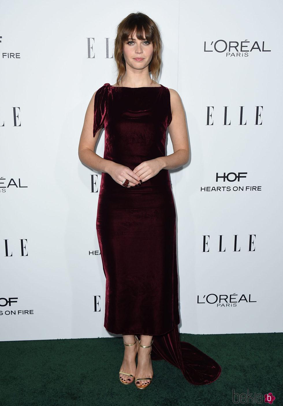 Felicity Jones en la entrega de los Premios Women in Hollywood 2016 de la revista Elle