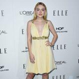 Dakota Fanning en la entrega de los Premios Women in Hollywood 2016 de la revista Elle
