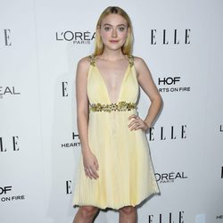 Dakota Fanning en la entrega de los Premios Women in Hollywood 2016 de la revista Elle