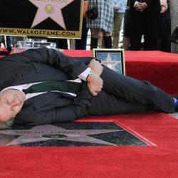 Hugh Laurie ya tiene su estrella en el Paseo de la Fama