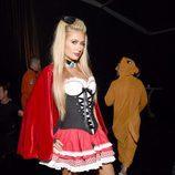Paris Hilton se disfraza de caperucita sexy para Halloween 2016
