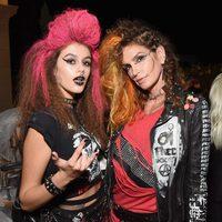 Cindy Crawford y su hija escogen un disfraz punky para celebrar Halloween 2016