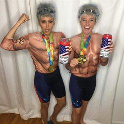 Nina Dobrev disfrazada de gimnasta de los Juegos Olímpicos de Río en Halloween 2016