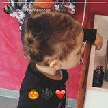 Gala, hija de Melissa Jiménez y Marc Bartra, disfrazada por Halloween 2016
