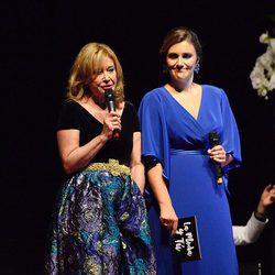 Mila Ximénez y Carlota Corredera durante una gala benéfica contra el cáncer infantil en Vigo