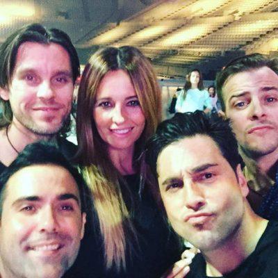 Isabel Navarro con Javián, Naim Thomas, Alex Casademunt y David Bustamante en los ensayos del concierto de 'OT: El Reencuentro'