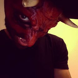 Pablo Alborán disfrazado de diablo por Halloween 2016