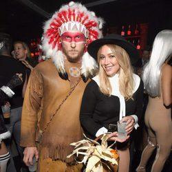 Hilary Duff y Jason Walsh en la fiesta de Halloween de Casamigos