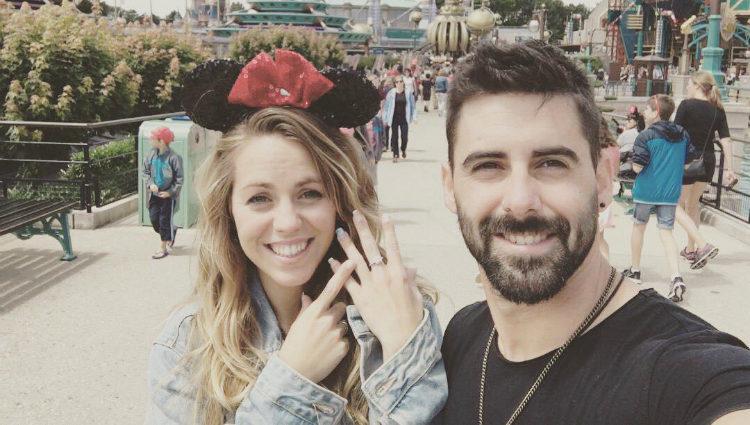 Yoli y Jonathan 'GH 15' en Disneyland Paris tras su pedida de mano