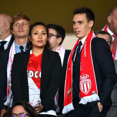Louis Ducruet y Marie Chevallier en el partido que enfrentó al Mónaco contra el CSKA Moscú