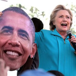 Hillary Clinton durante su campaña contra Obama