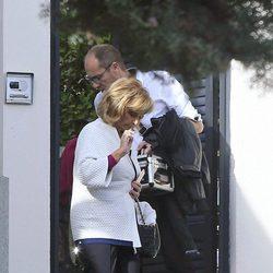 María Teresa Campos saliendo de su casa para grabar nuevas entregas de 'Las Campos'