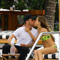 Ryan Phillippe y Paulina Slagter en Miami