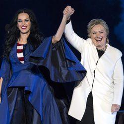 Katy Perry apoyando a Hillary Clinton