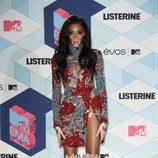 Winnie Harlow en la alfombra roja de los MTV EMA 2016