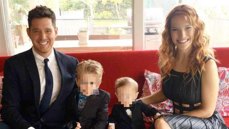 Michael Bublé junto a sus hijos y su mujer Luisiana Lopilato