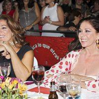 Raquel Bollo e Isabel Pantoja en el Festival del Potaje Gitano