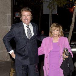 Edmundo Arrocet y María Teresa Campos en el cumpleaños de su hija Carmen Borrego