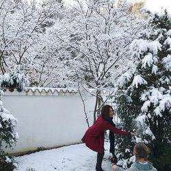 Nagore Aranburu disfruta de la primera nevada de la temporada