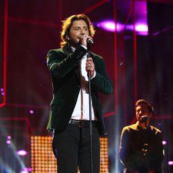 Manuel Carrasco actuando en la ceremonia de entrega de los Premios Ondas 2016
