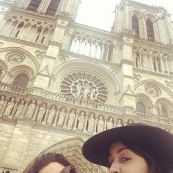 Clara Lago e Hiba Abouk en París