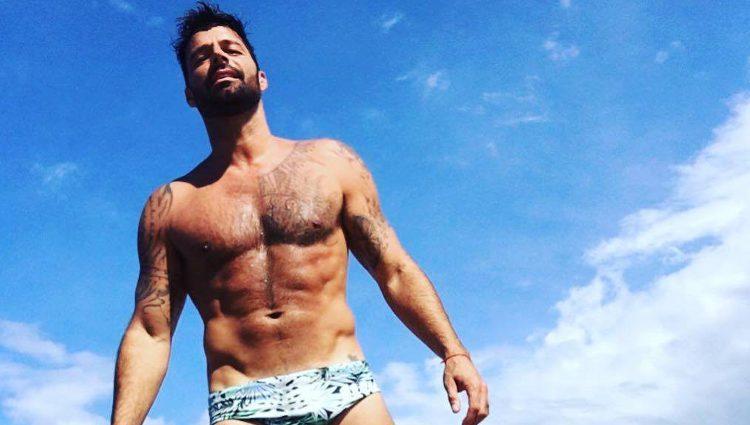 Ricky Martin luce cuerpazo en las redes