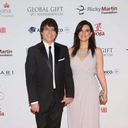 Laura Pausini y Paolo Carta en la gala Global Gift de México