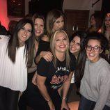 Belén Esteban rodeada de compañeras y Gema López en su fiesta de cumpleaños