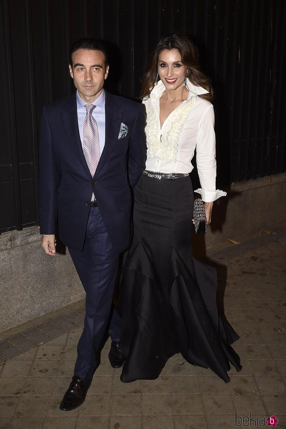 Enrique Ponce y Paloma Cuevas en la fiesta en honor a Carolina Herrera