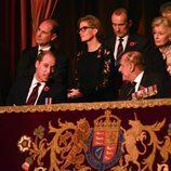 La Reina Isabel, el Duque de Edimburgo, los Duques de Cambridge y los Condes de Wessex en el Festival del Recuerdo 2016