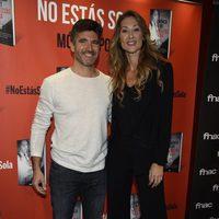 Toño Sanchís y Mónica Pont en la presentación de 'No estás sola'