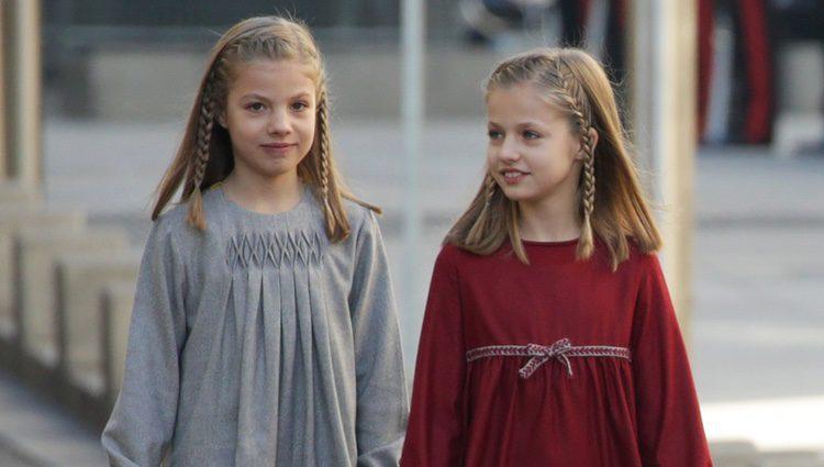 La Infanta Sofía y la Princesa Leonor en la Apertura de la XII Legislatura