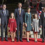 Los Reyes Felipe y Letizia con sus hijas, Mariano Rajoy, Ana Pastor y Pío García Escudero en la Apertura de la XII Legislatura