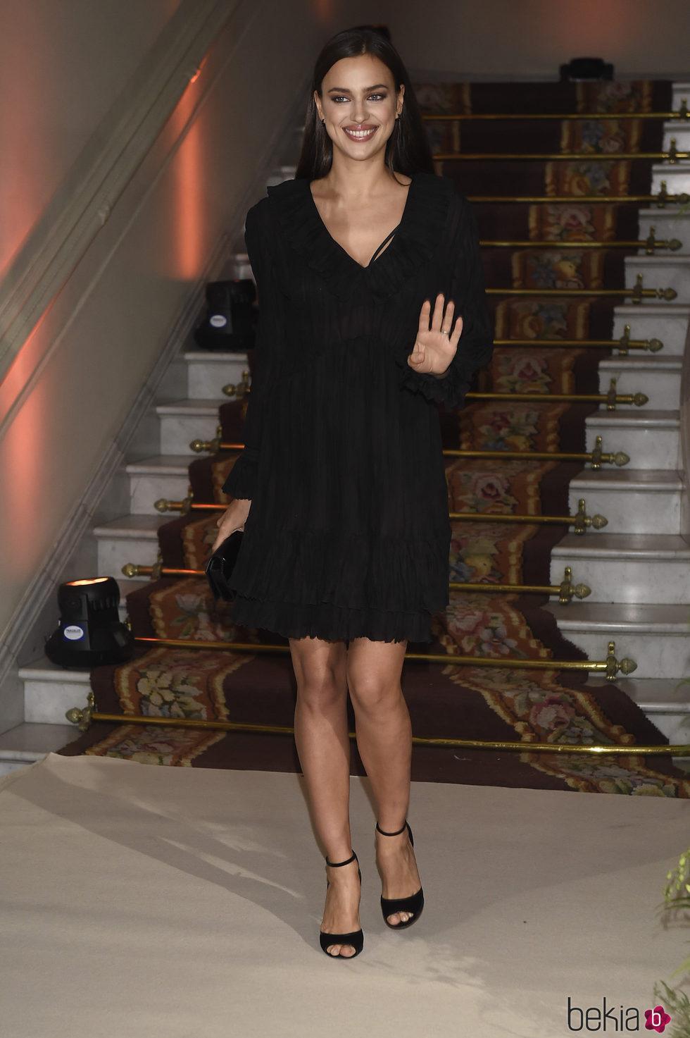 Irina Shayk llegando a la fiesta del 20 aniversario de Intimissimi en Madrid