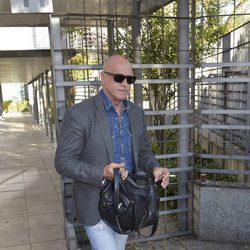 Kiko Matamoros saliendo de los juzgados de lo Penal de Madrid tras el juicio de Raquel Bollo y Chiquetete