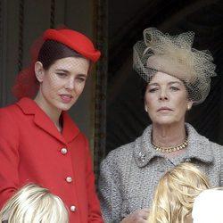 Carlota Casiraghi y Carolina de Mónaco en el Día Nacional de Mónaco 2016