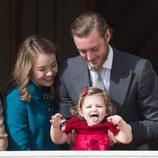 India Casiraghi, muy divertida con sus tíos Pierre Casiraghi y Alexandra de Hannover en el Día Nacional de Mónaco 2016