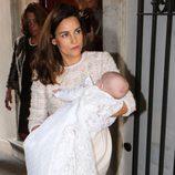 María Palacios con su hija Ginevra Ena en brazos