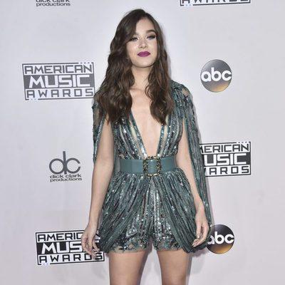 Hailee Steinfeld en los American Music Awards 2016