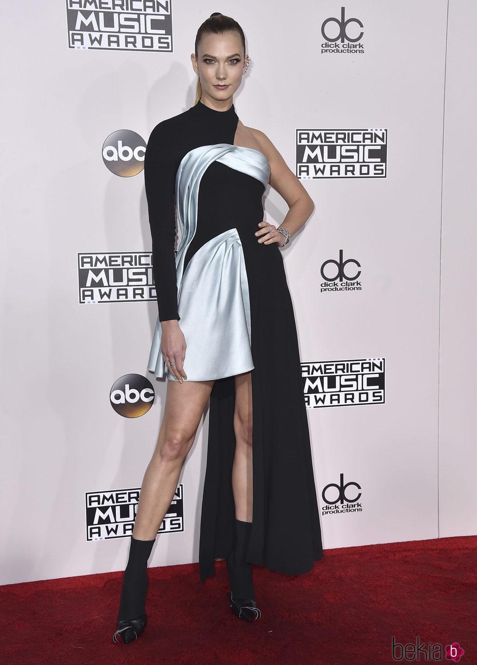 Karlie Kloss en los American Music Awards 2016