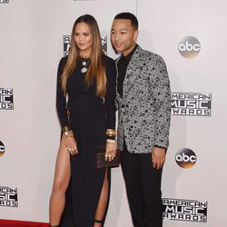 Chrissy Teigen y John Legend en los American Music Awards 2016