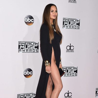 El descuido de Chrissy Teigen en los American Music Awards