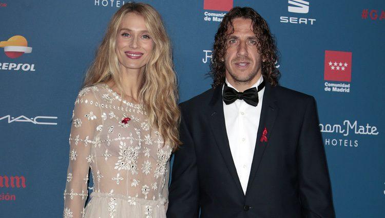 Vanesa Lorenzo y Carles Puyol en la Gala Sida 2016