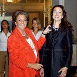 Rita Barberá y Andie MacDowell