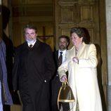 Jaime Mayor Oreja y Rita Barberá en el funeral de Manuel Aznar