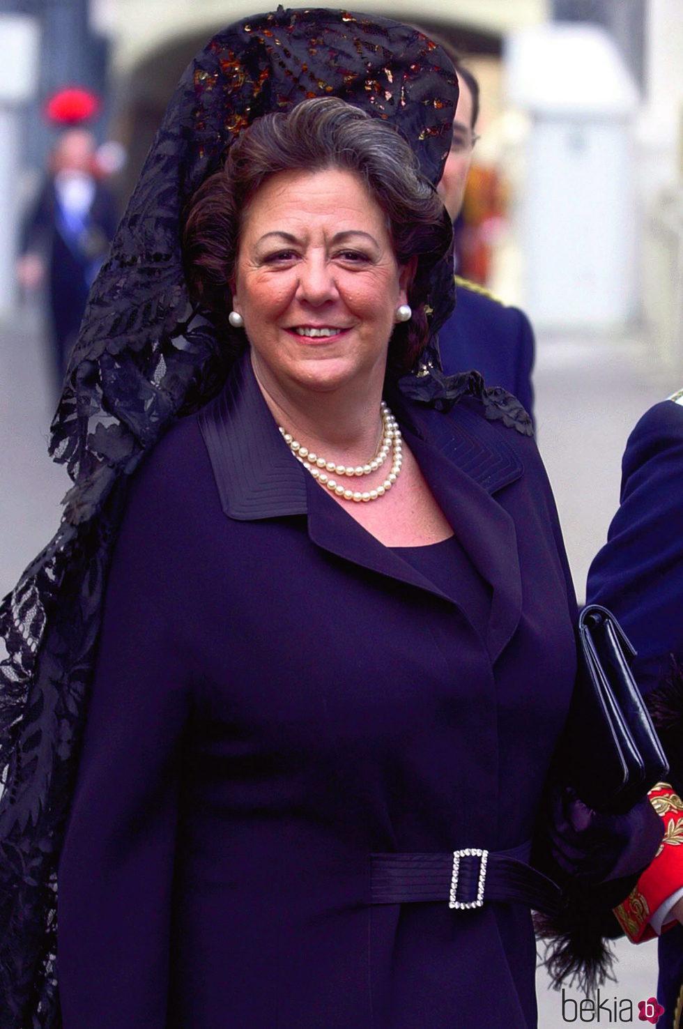 Rita Barberá con mantilla y peineta en El Vaticano