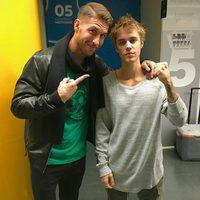 Sergio Ramos posando con Justin Bieber